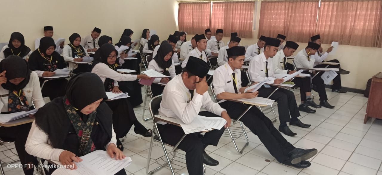 Ujian Evaluasi Akademik